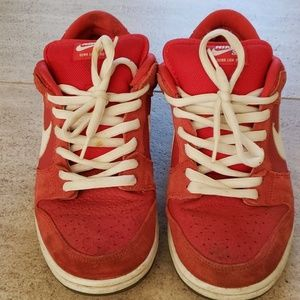 NIKE SD Dunk sneakers